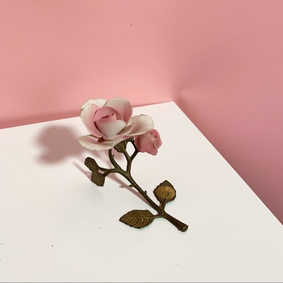 Vintage rose decor piece